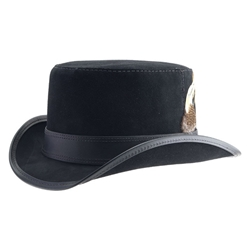 Short Brim Suede Hat in Black