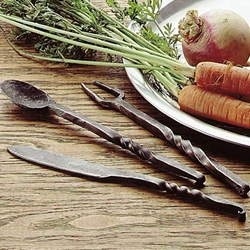 Medieval Set of Eating Utensils 800166